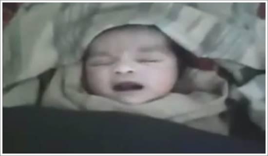 Suriyeli Allah diyen bebek1